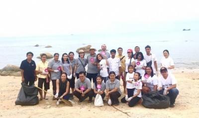 Beach Cleaning Team (Absolute Sanctuary, Koh Samui).jpg