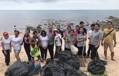Beach Cleaning Team2 (Absolute Sanctuary, Koh Samui).jpg