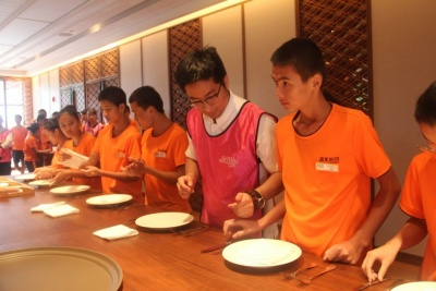 Grand Hyatt Sanya - Learning activity for Bainian Vocational school students.jpg