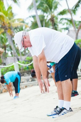 Photo Bebe Spa overweight man stretch GWD Fiji 2015.jpg