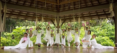 Four Seasons Maldives Team Yoga poses GWD June 2015.jpg
