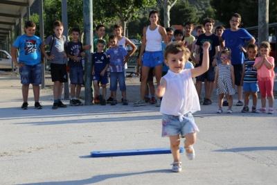 running niños2.JPG