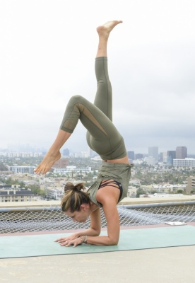 646433959LC025_Yoga_In_The_.jpg