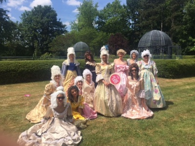Trianon Palace Bachelorette Groupe GWD France 2015.jpg