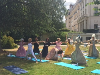 Trianon Palace Bachelorette Yoga GWD France 2015.jpg
